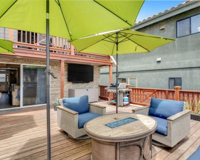 Modern Home near Beach w/ Private Deck, Hot Tub, Gas Grill, Electric Fireplace - Oceano
