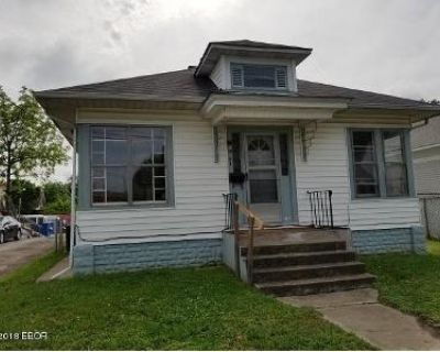 2 Bed 2 Bath Foreclosure Property in Marion, IL 62959 - S Buchanan St