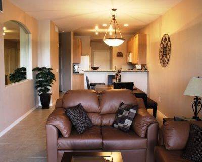 Superstition Golf Course- 2 Bedroom Luxury Condo - Superstition Lakes
