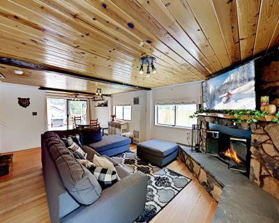 Dream Street Retreat   Hot Tub, Foosball, Deck & Fireplace   Central Locale - Big Bear Lake