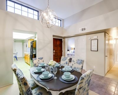 Newly remodeled gorgeous Townhouse in Tempe - South Tempe