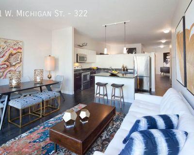 Luxury 1 Bedroom Apartment with BONUS Den!