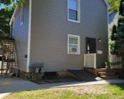 529 E Dover St, Milwaukee, WI 53207 1 Bedroom Condo