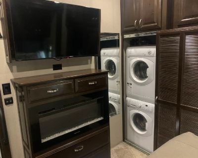 2018 Forest River Riverstone 39 fk