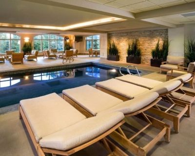 Ski-in ski-out luxury 4 bedroom condo, indoor pool, hot tub, ski valet, dining - Beaver Creek