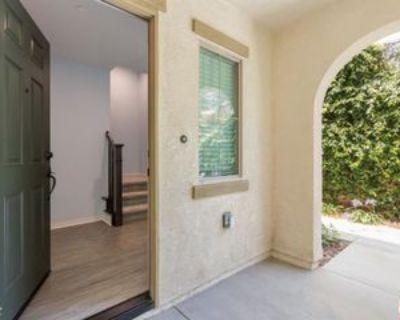 14111 W Spruce Ln, Los Angeles, CA 91405 3 Bedroom Condo