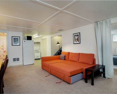 #InvestREPM Private 1 bed SW Portland Hills Close to OHSU & Downtown - Homestead