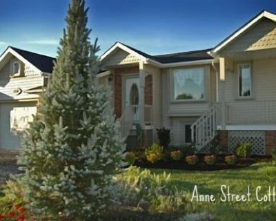 Anne Street Cottage in a quiet residential area - Old Town Historic District