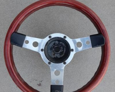 Mountney GT Britain steering wheel