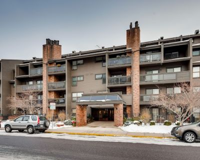 Beautiful fully furnished condo in heart of Cherry Creek - Cherry Creek