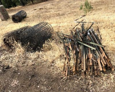 Make offer: Field Fence and T Posts
