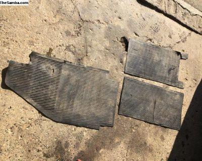 original split floor mat rubber L.132.811.1