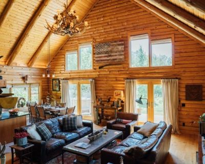 The Perfect Escape; Log Cabin situated on 40 Secluded Acres of Wilderness - Peru