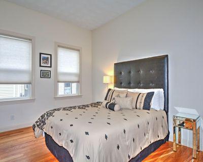 Jamaica Plain's Egleston Square 2 Bed With Central Air, Parking, Laundry & WiFi - Egleston Square