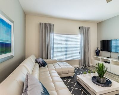 Beautiful 5 Star Townhome with Private Pool on the Prestigious Storey Lake Resort - Kissimmee