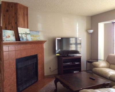 3 Bed 2 Bath Townhouse In A Great School District. - Briargate