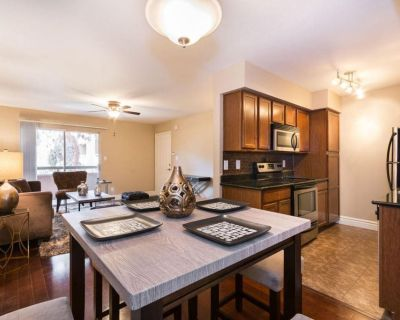 2 bedroom with 2 bathrooms in luxurious setting - Camelback East