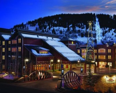 Prime Ski Week at Marriott Summit Watch on Main St. (ski-in/out to Town Lift) - Downtown Park City