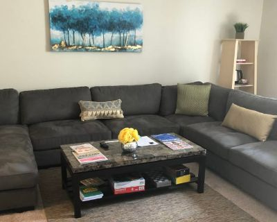 Private room with own bathroom - Gainesville , GA 30501