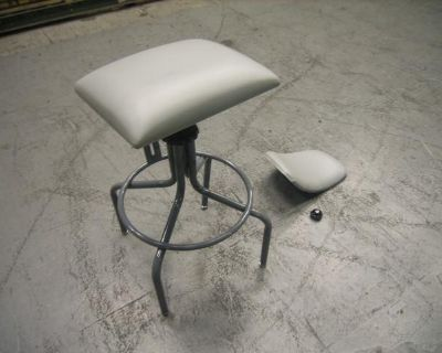 22040 / 14570 - Home or Office Furnishings