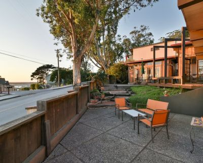 Rustic Four Bedroom Home with Amazing Harbor Views - Morro Bay