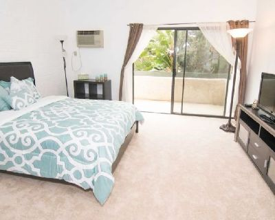 Well-Furnished Apartments Near UCLA For Rent