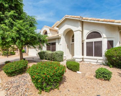 NEWLY RENOVATED!! Scottsdale Oasis! 5 BR, 7 beds, heated pool, 3000+ sq ft - Tatum Square