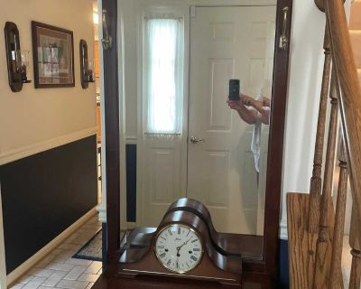 Hall entry way shelf with mirror