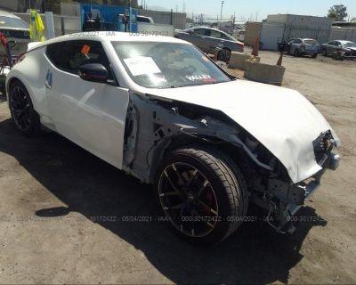 Salvage White 2016 Nissan 370z