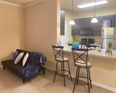 Entire Townhouse/ Comfy 1BD 1BA/ Near Mall&More - Lafayette