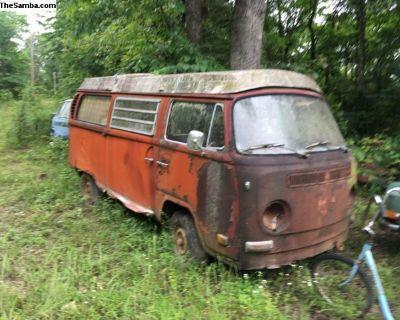 2 - 1971 Volkswagen Westfalia Camper Projects