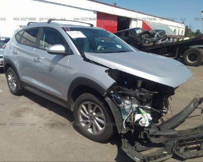 Salvage Silver 2017 Hyundai Tucson