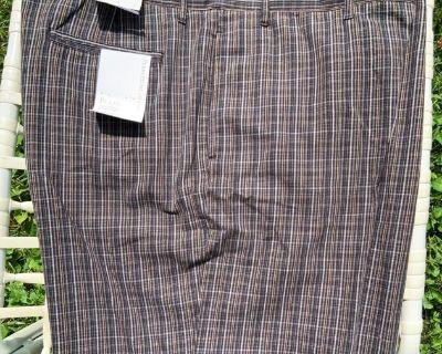 NEW Perry Ellis Mens Walking Shorts (42)