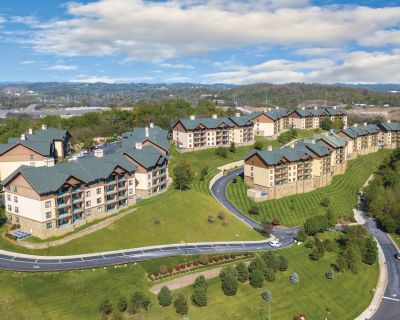 Great Deal at Wyndham Smokey Mountains - 2 BR/2 Bath w/Beautiful Mountain Views! - Sevierville
