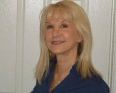 Suzanne, 60 years, Female - Looking in: Boulder Boulder County CO