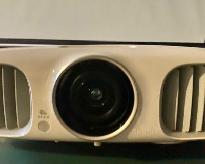 Epson HC 3020 projector great for games and movies