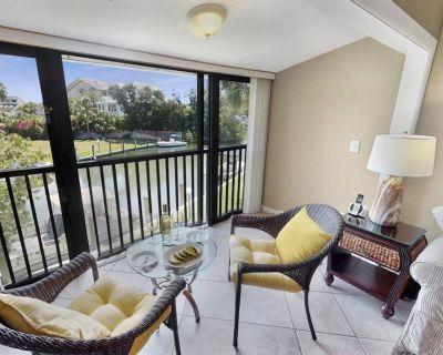 New! Walk to Siesta Key Beach, Water/Dock View, 2nd Floor, Pool, Wifi, Fido Friendly, Cov. Parking - Siesta Key