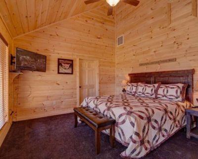 Smoky Mountain Lodge - 12 Bedrooms, 11 Baths, Sleeps 50 - Pigeon Forge