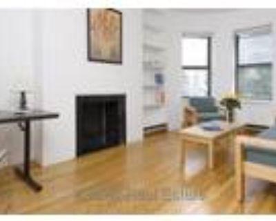 Large 1 Bedroom, Hardwood Floors, California Closets, Hot Water and Heat