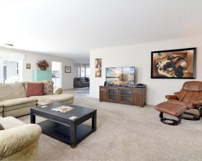 Beautiful Spacious Home Just Steps To Beach! Now accepting Pets!! - Morro Bay