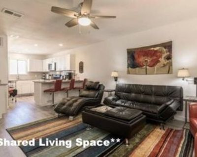 1198 S Redondo Blvd, Los Angeles, CA 90019 Studio Apartment