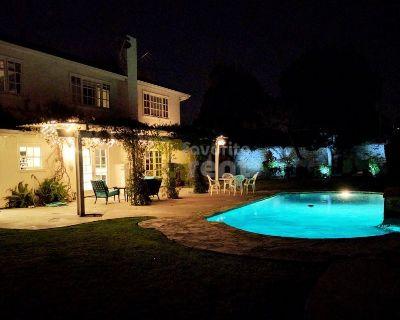 Santa Ana Area Luxury 4 Bedroom House with Pool and Jacuzzi