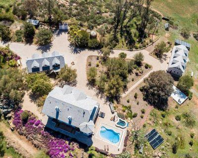 Full Circle Farms Getaway - Villa on 21+ Acres - Pool- Hot Tub- Private Hiking - San Diego County