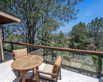 Del Mar Tree House: Peaceful Sanctuary w/ Wraparound Balcony & Outdoor Gym - Del Mar