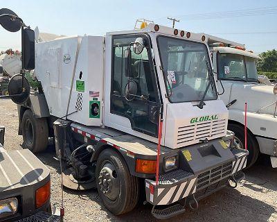 2015 GLOBAL Sweeper Trucks Truck