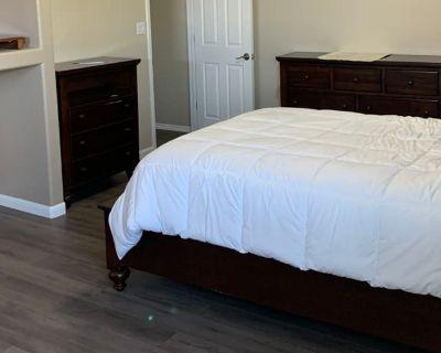 Private room with own bathroom - El Paso , TX 79932