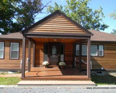 Prime location - Ranch House on Seneca Lake - Town of Varick