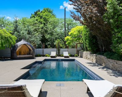 Modern Architectural House with Pool and Hot Tub - Westside North