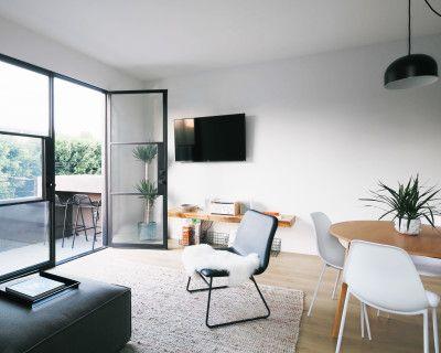 Beautiful New Designer Loft - of LA - Melrose Hill Silver Lake Hollywood, Los Angeles, CA