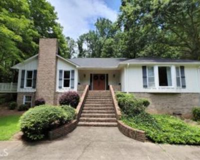 820 Oakhaven Dr, Roswell, GA 30075 5 Bedroom Apartment